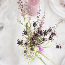 Dekorera med konstgjorda blommor